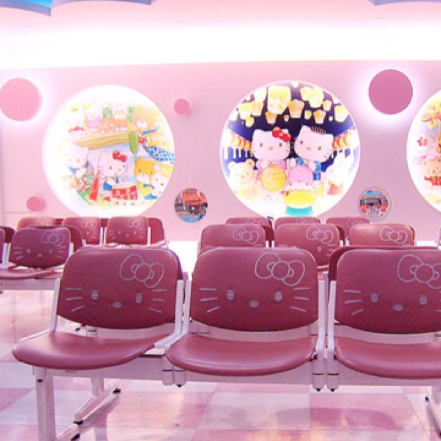 hospital-hello-kitty-1